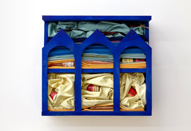 """Spice Shrine Giotto Blue"", 2014, wood, paint, fabric, spices, 18 x 20 x 6 in. Photo courtesy What Pipeline (http://whatpipeline.com/shows/11annespeier/1.html)"